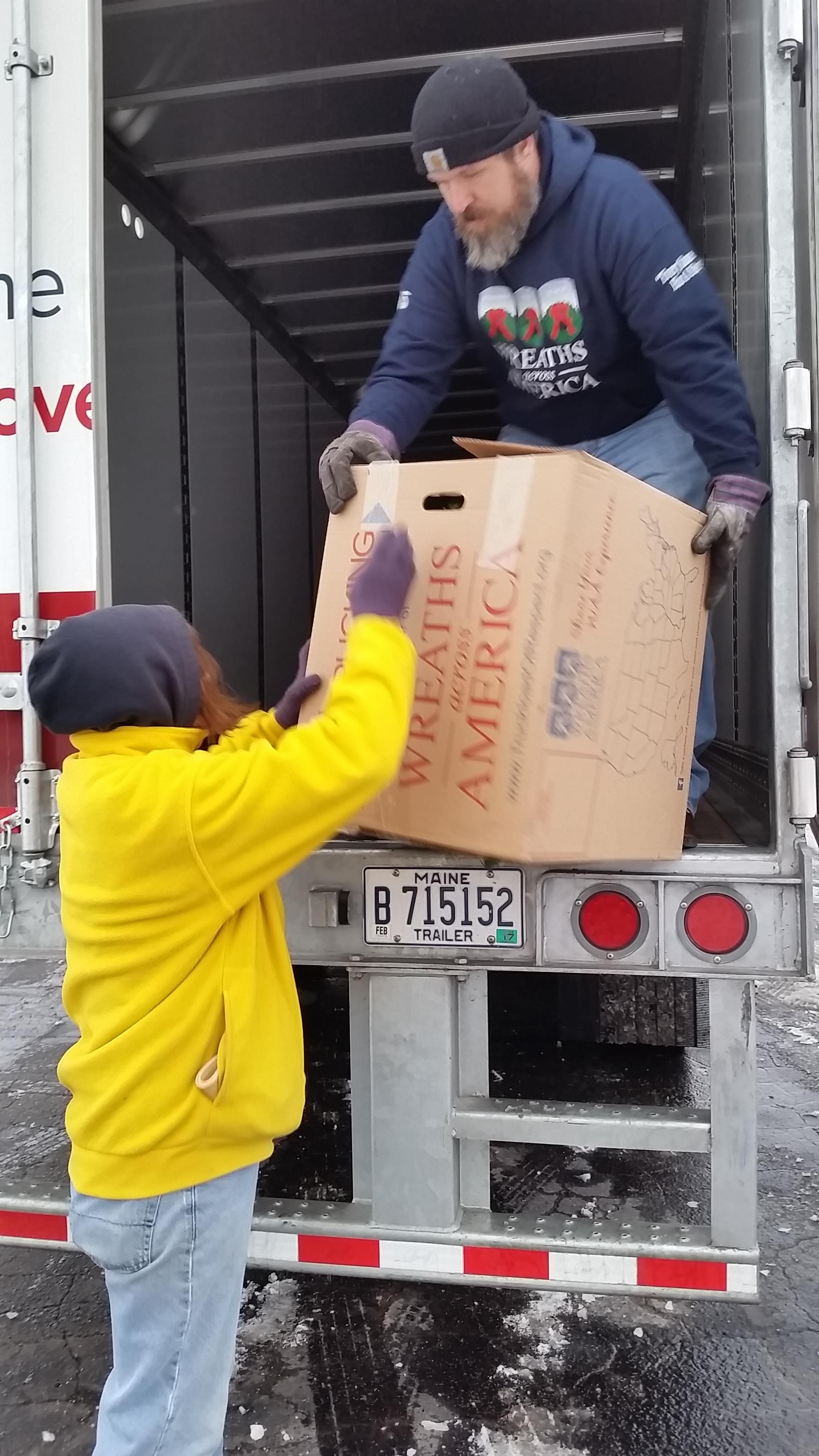 Keller Trucking | Delivering Wreaths